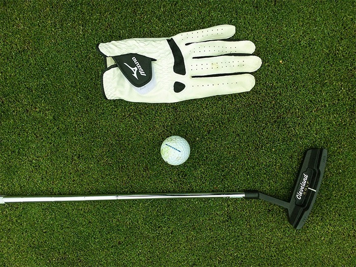 Enjoy a complete golfing experience at home.